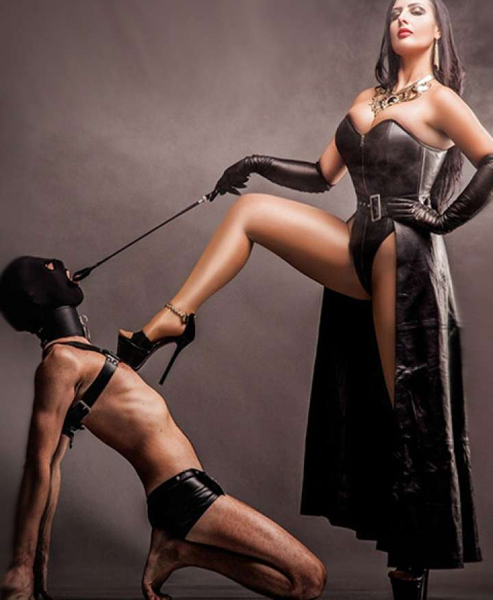 dominatrix oslo royal escort