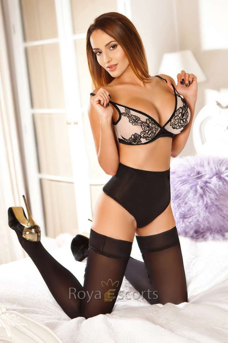 FK French Kissing Central London Escort - Anna