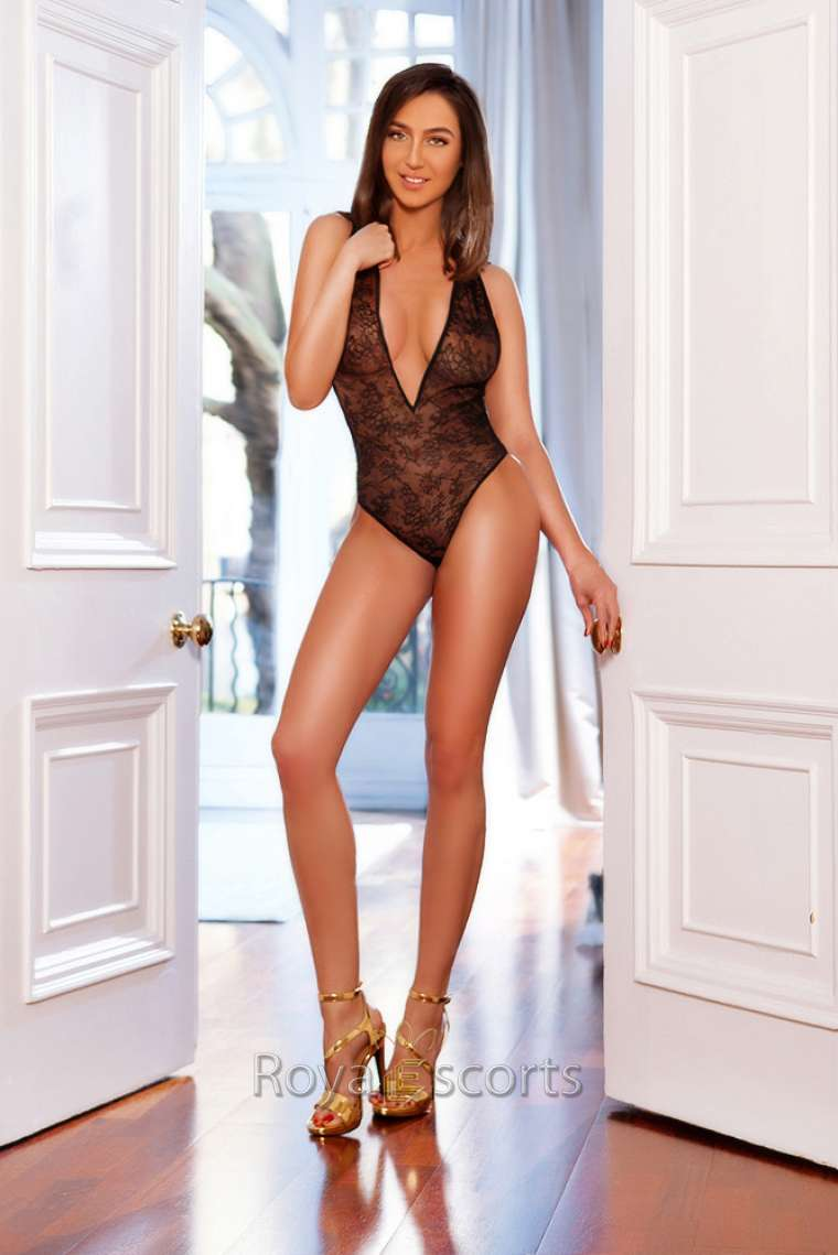 Tall Ws Central London Escort Ivana