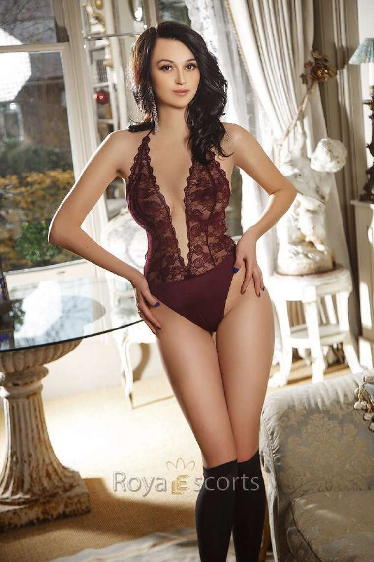 Slim Brunette London Escort Ludmila