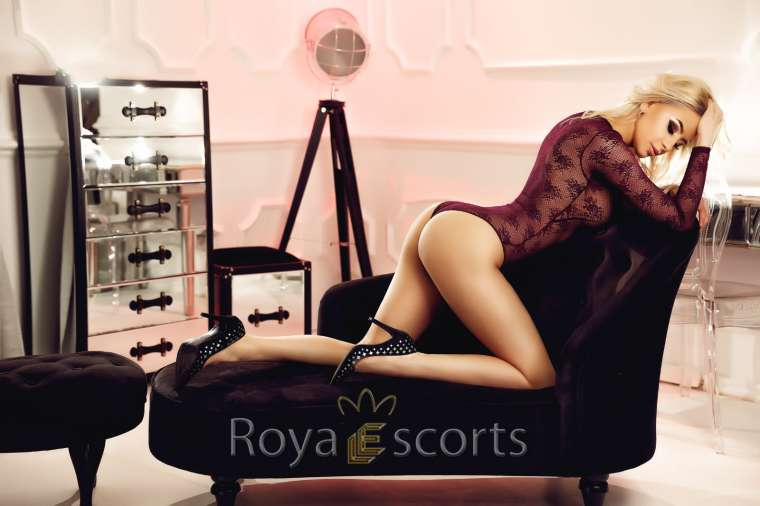 Alevel Blonde Escort - Vicky