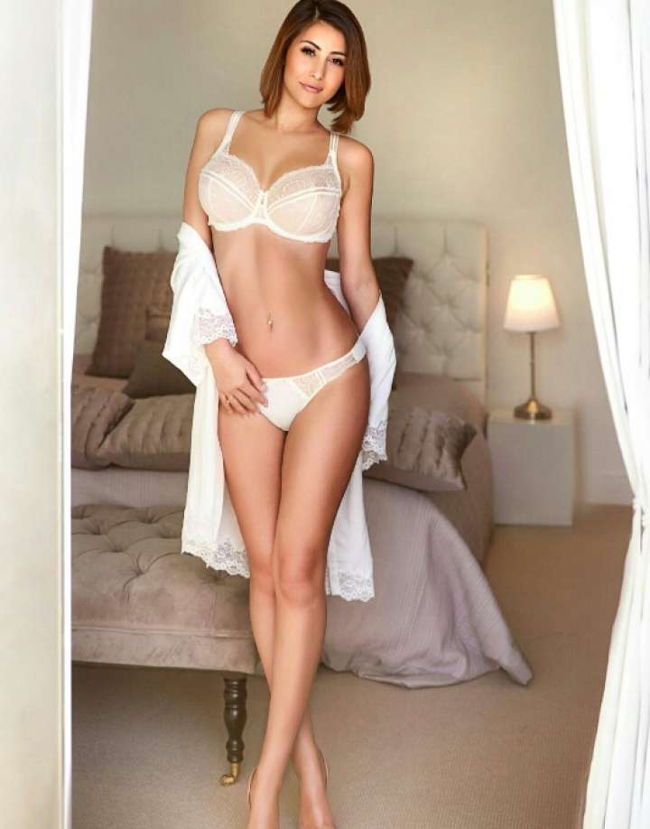 girl girl turn on london escorts