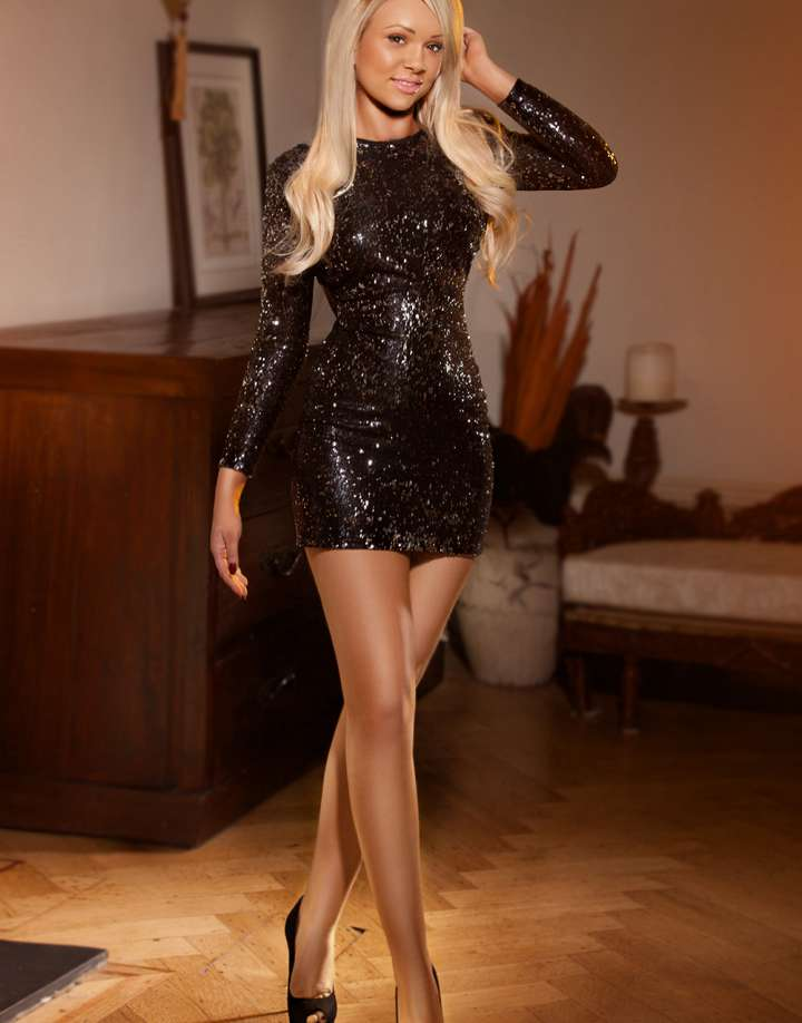 Blonde Domination Central London Escort Amelia