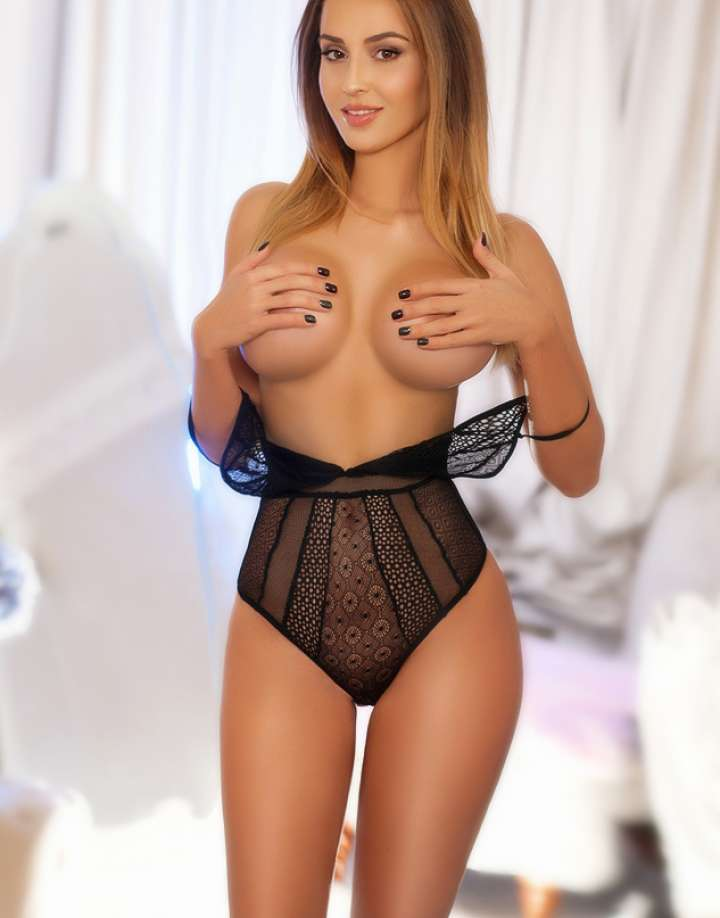 Busty Central London Escort - Anna
