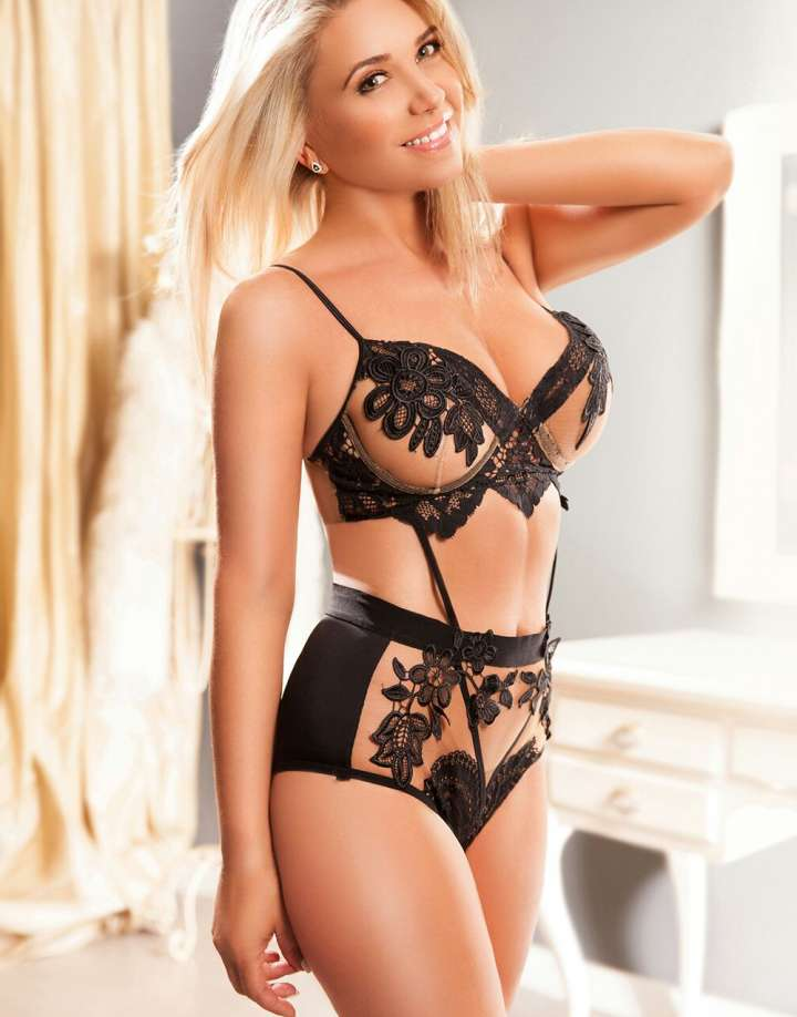 Blonde Central London Escort Claudine