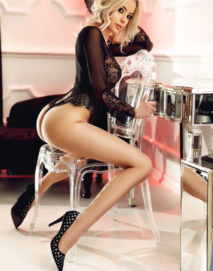 Young Central London Escort Vicky